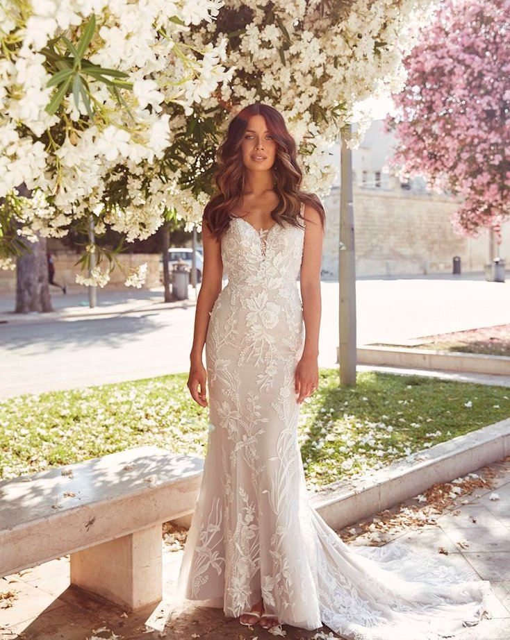 Boho Wedding Dresses For Everyone. Desktop Image